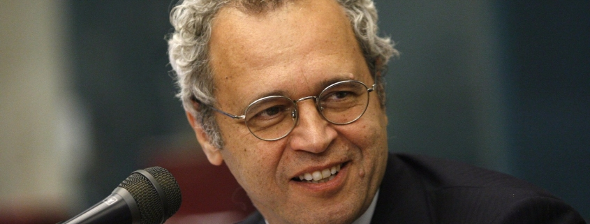 Enrico Mentana moderatore della conferenza stampa di QuBì